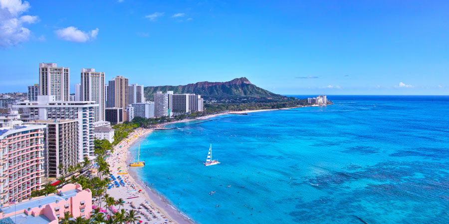 Ultimate Island bucket list Waikiki Beach Hawaii 900x450
