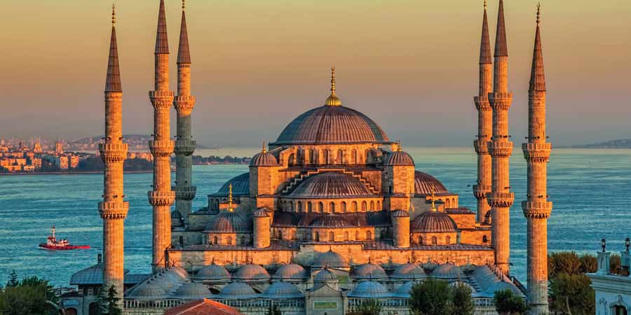 Oceania Around the World Instanbul Article Image